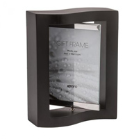 Elegantly curved frame which is supplied in Black Wood with a rotating frame in glass and steel, for  2 photos 6x4?/10x15cm.  Gift Box Supplied .  Bulk Order Discounts Available